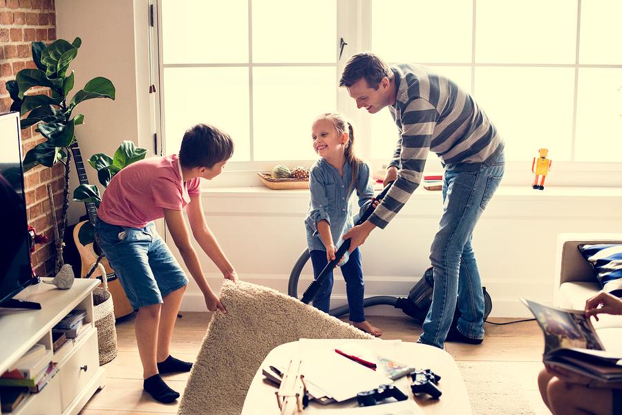 Почистване на дома от цялото семейство