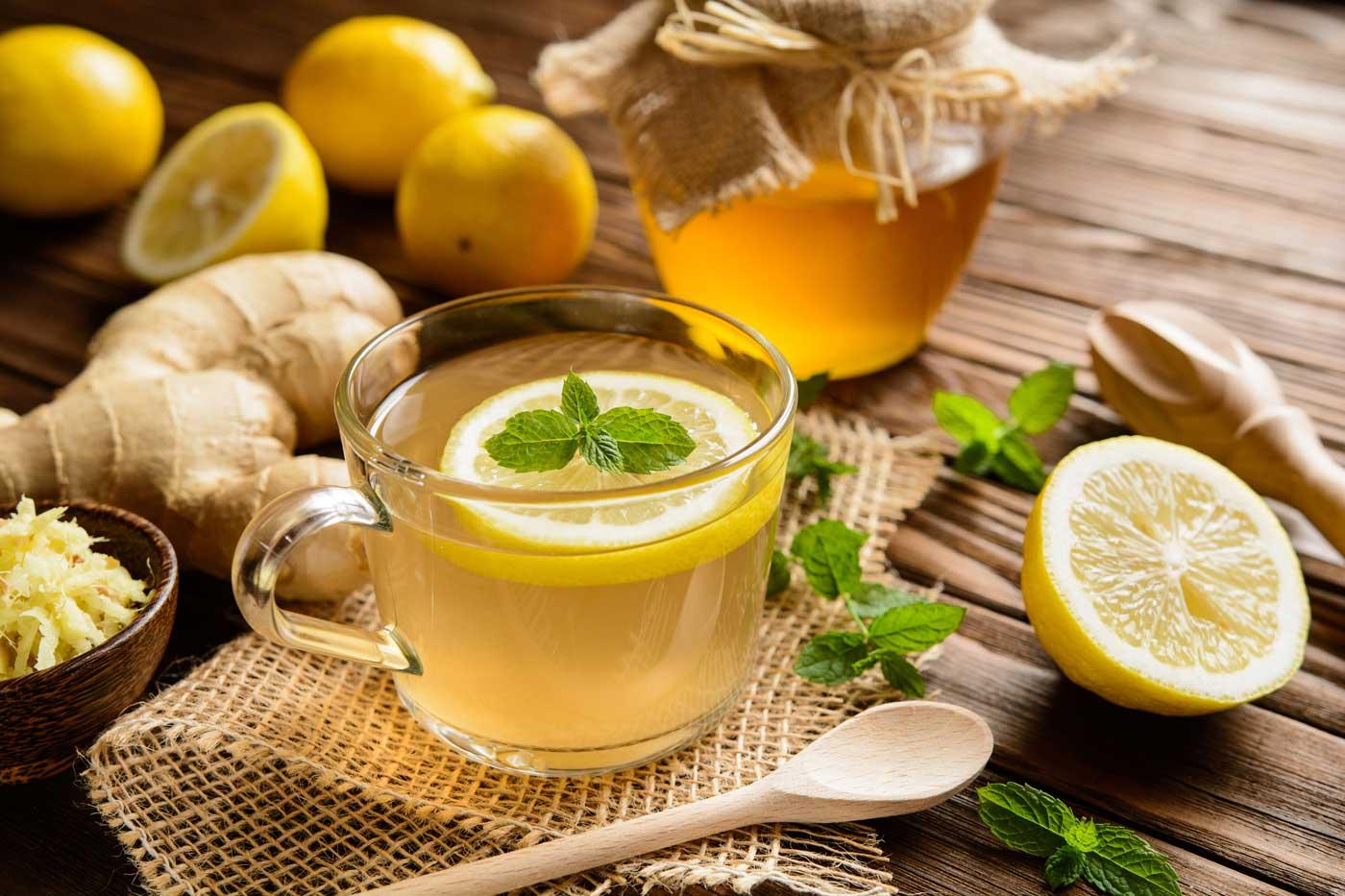 Суха кашлица се повлиява добре от топлите течности с подходящи билки.