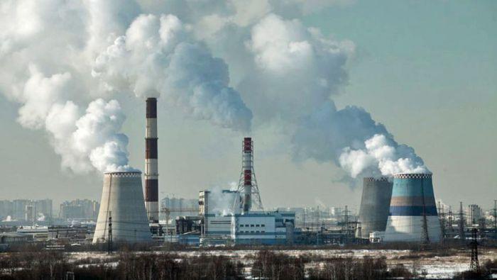 Замърсяването на въздуха в големите градове от индустиалната дейност.