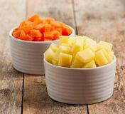Натурални продукти за маска за лице - моркови и картофи.