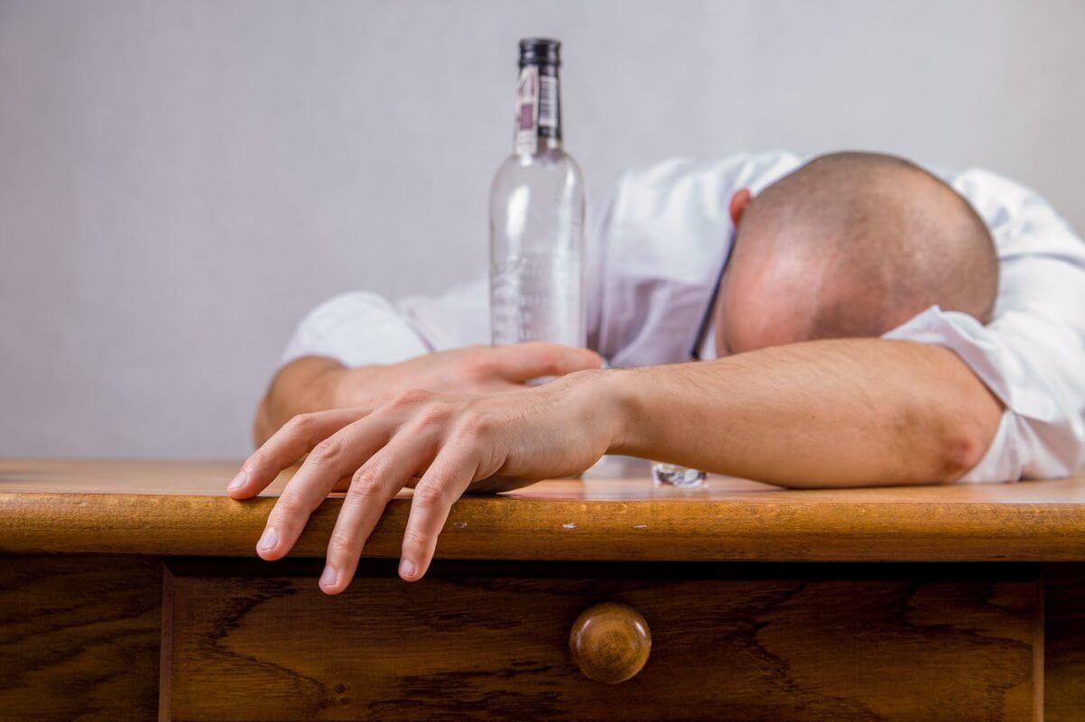 Алкохола влияе отрицателно върху ерекцията.
