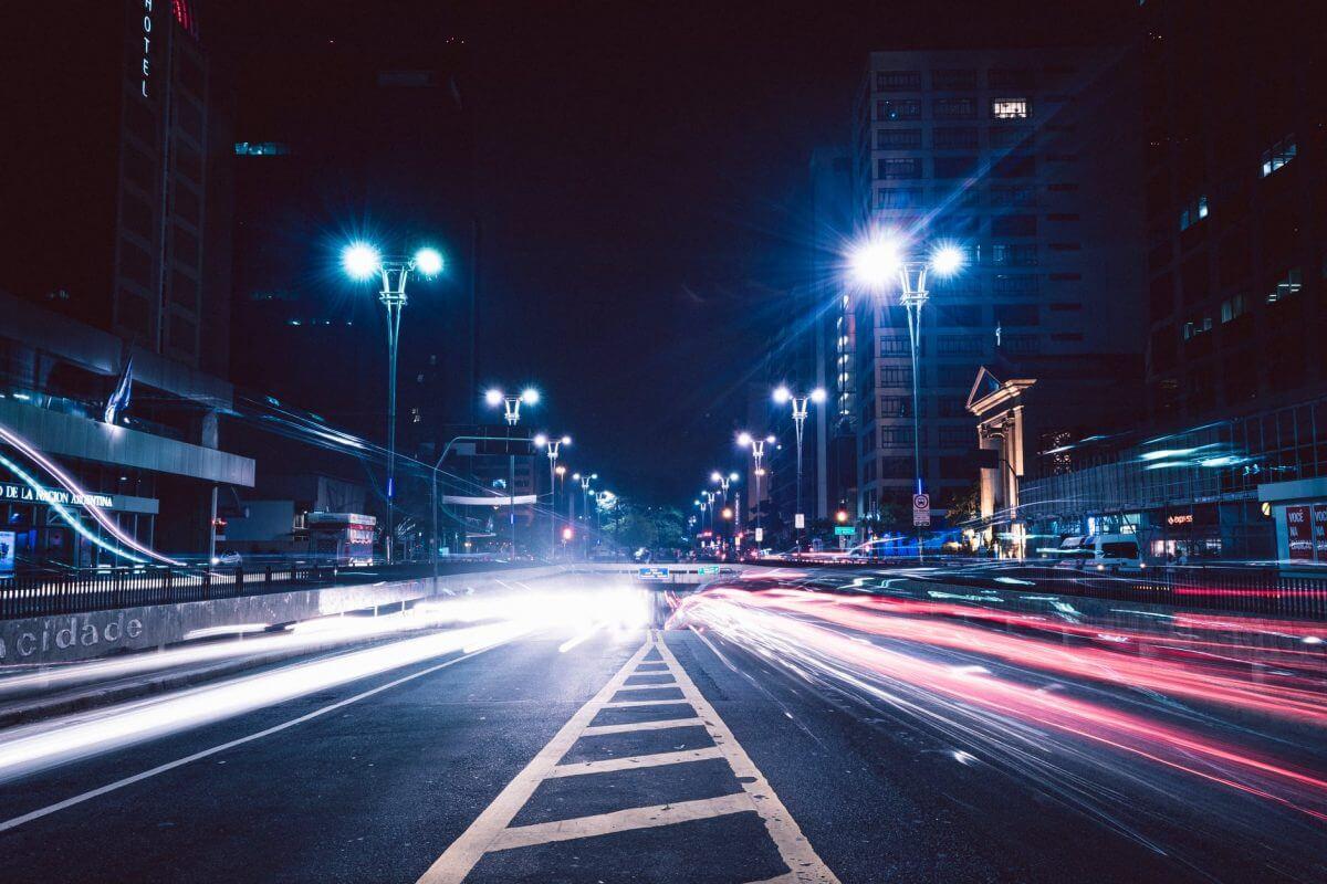 Пулсиращата светлина е дразнител и пречи на съня.