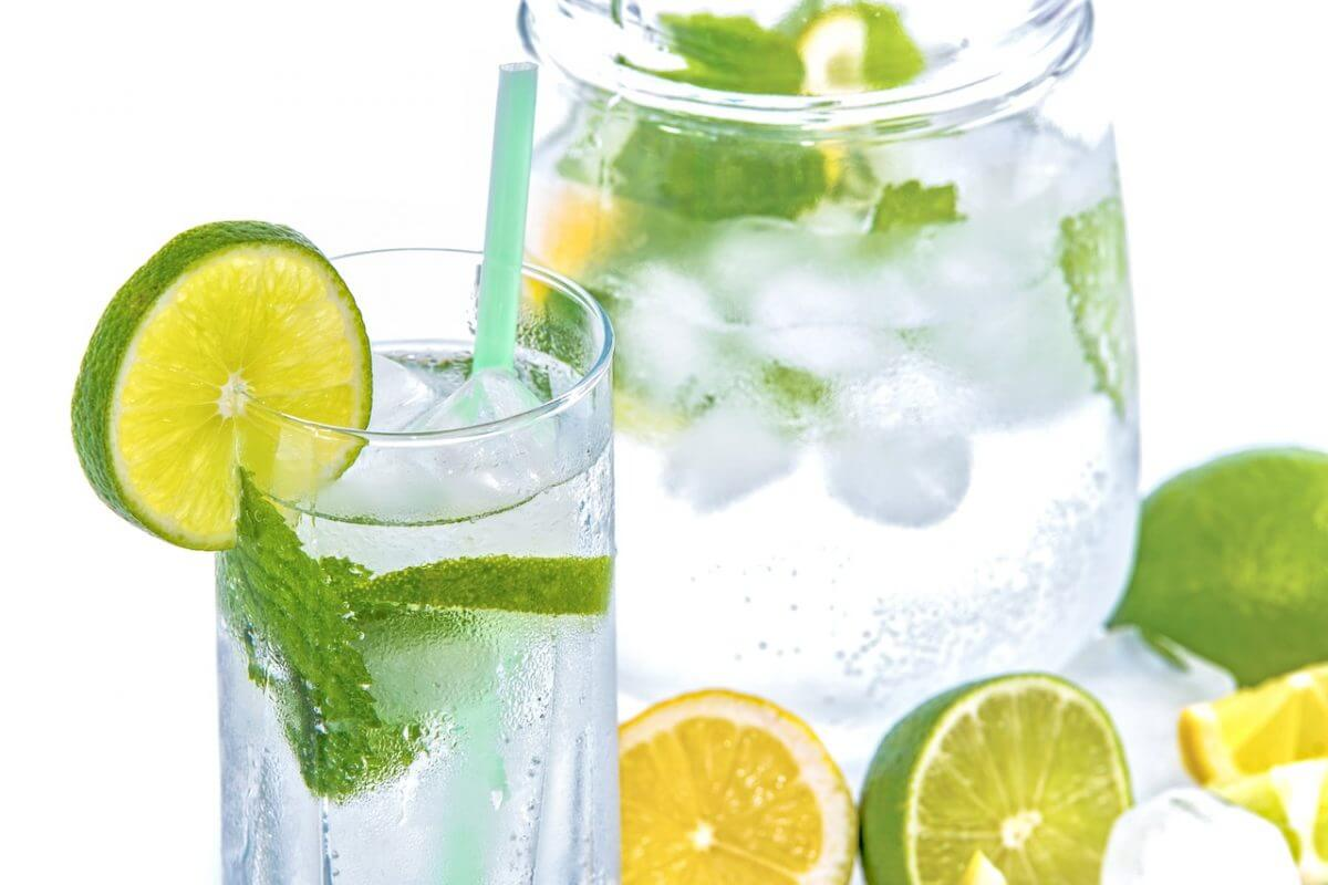 Подобряване на паметта и здравето с употреба на течности. Редовната употреба на течности води до естествено пречистване на организма.