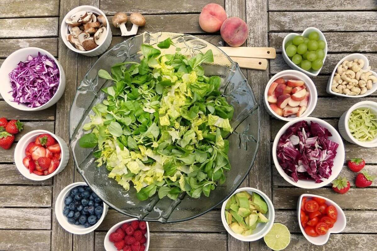 Подобряване на паметта и здравето със закуска от плодове. Осигуряват свеж ум и добра активност.