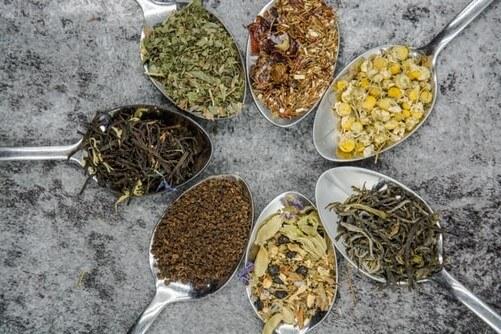 Използването на билки (природни лекарства) при различни болестни състоя е познато от дълбока древност.