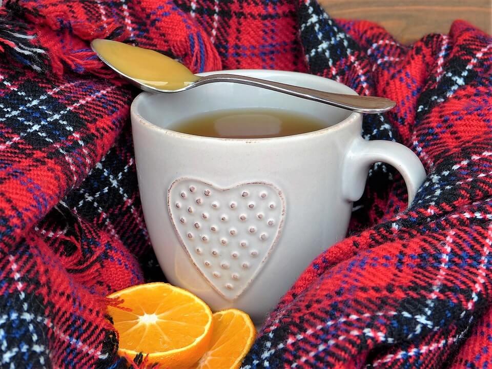Билков чай с мед е класика за облекчаване на кашлицата.