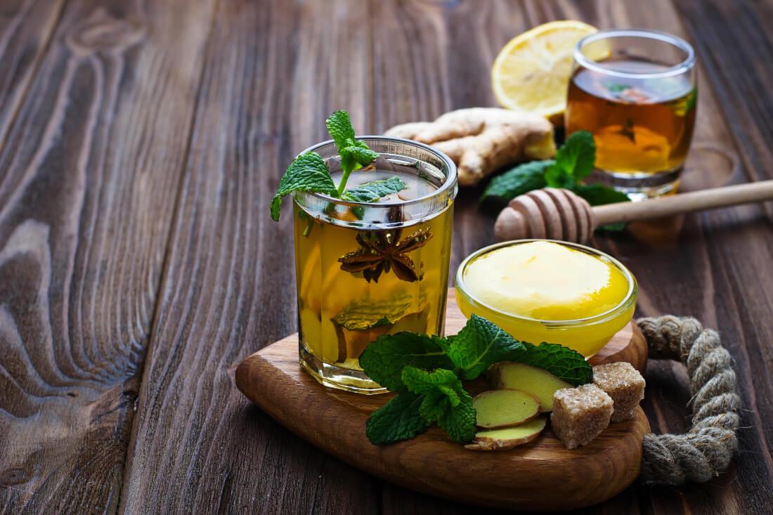 chay-med-limon-protiv-alergichna-kashlitsa